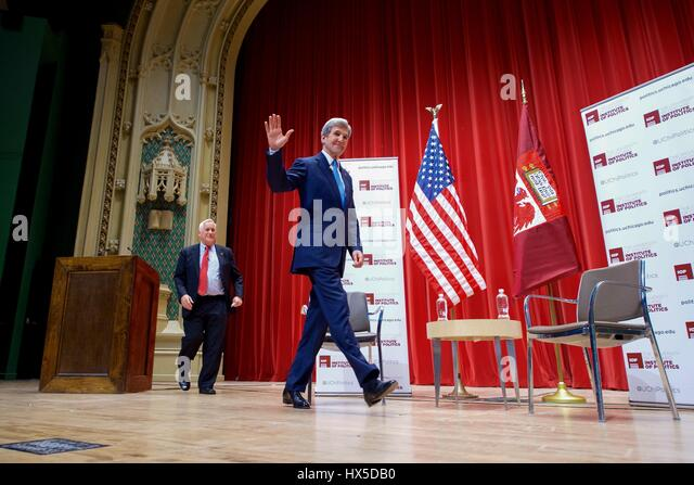 US Secretary of State John Kerry and Aspen Institute President Walter Isaacson discuss global affairs and answer - Stock Image