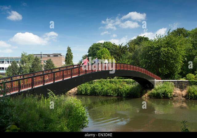 UK, England, Somerset, Taunton, footbridge over River Tone to Goodland Gardens - Stock Image