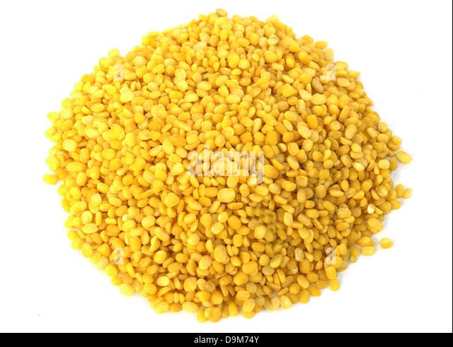 yellow lentils - Stock Image