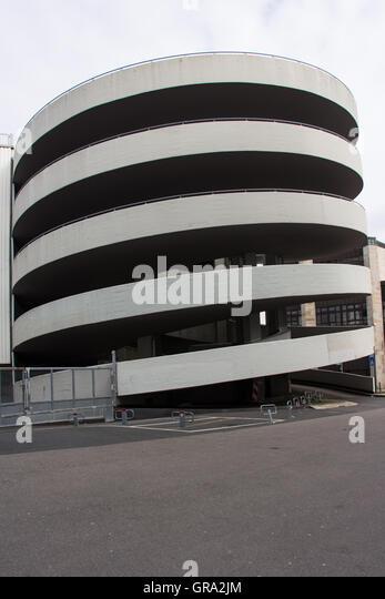 Ramp underground garage parking stock photos ramp for Garage jm auto audincourt