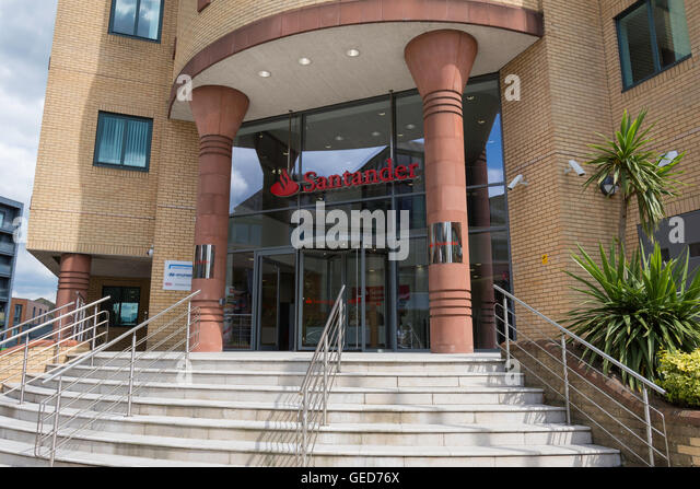 Entrance to Santander Consumer Finance building, Station Road, Redhill, Surrey, England, United Kingdom - Stock Image