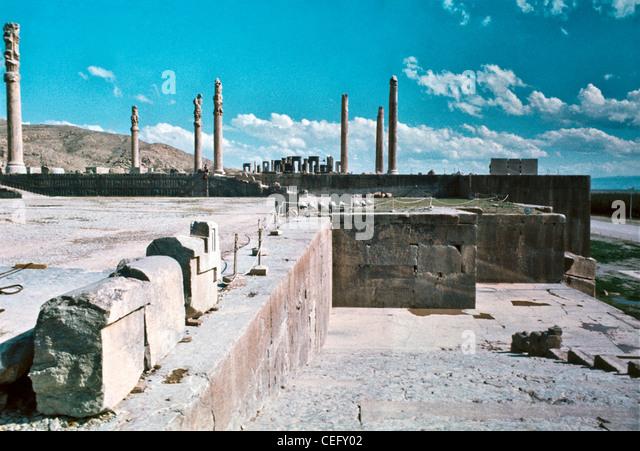 IRAN, PERSEPOLIS: Ruins at Persepolis intentionally damaged by Alexander's conquering troups. - Stock Image