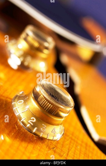 gibson tone pot controll onb semi acoustic guitar - Stock Image