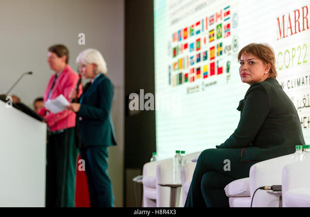 Marrakech, Morocco. 15th Nov, 2016. The German Federal Minister of the Environment Barbara Hendricks (L), the Moroccan - Stock Image