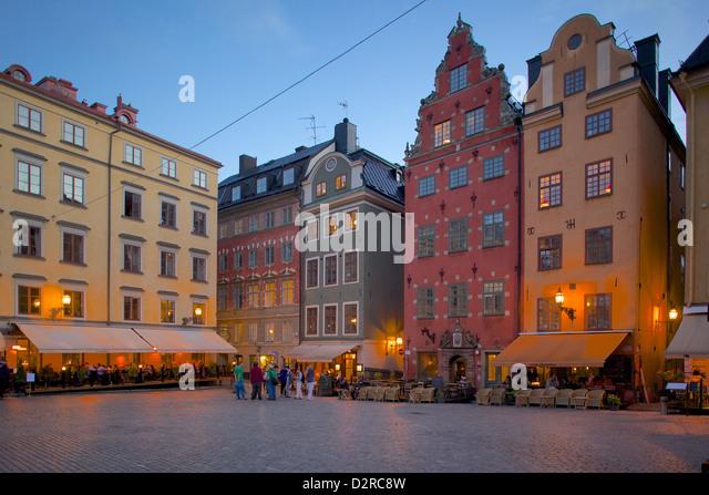 Stortorget Square cafes at dusk, Gamla Stan, Stockholm, Sweden, Europe - Stock Image