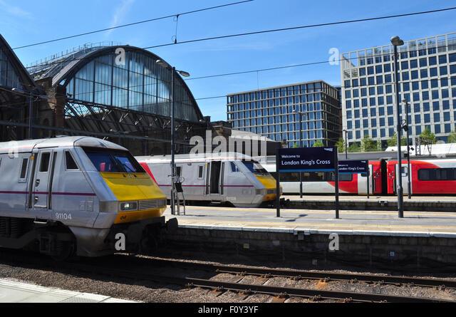 Kings cross railway station departure stock photos kings - Kings cross ticket office opening times ...