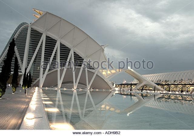 Spain Valencia City of sciences and arts by architect Santiago Calatrava twilight museum of science - Stock Image