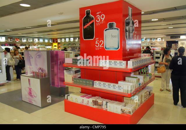 Chile Santiago Comodoro Arturo Merino Benítez International Airport SCL passenger terminal concession shopping - Stock Image