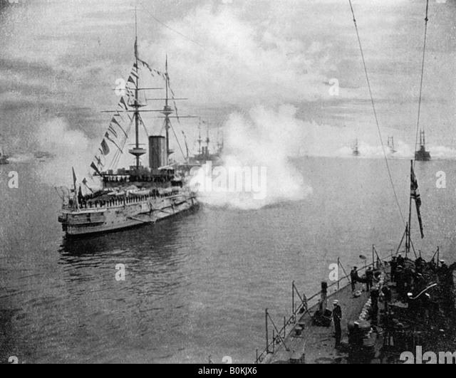 A salute by the Home Fleet, 1907 (1908). Artist: Queen Alexandra - Stock Image