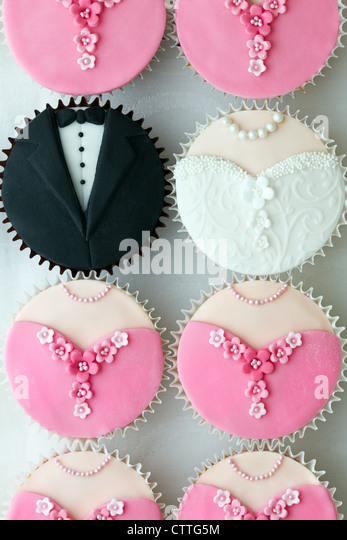 Bridal party cupcakes - Stock Image