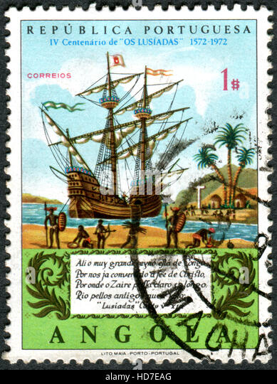 A stamp printed in Angola, devoted to 4th centenary of the publication of The Lusiads, shows the Galleon on Congo - Stock-Bilder