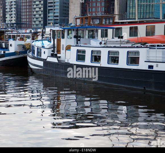 Houseboat amsterdam stock photos houseboat amsterdam for Houseboat amsterdam