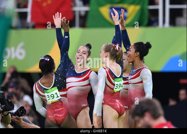 The Women's Artistic Gymnastics team from the USA celebrates during the Artistic Gymnastics Women's Team - Stock-Bilder