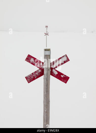 marked ski trail in the Northern Swedish mountain area of Sylarna (sylan)  in the snow - Stock Image