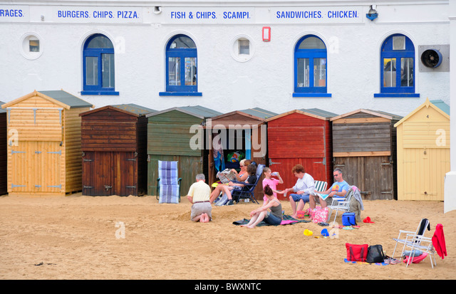 Broadstairs, Kent, England, UK. Family on the beach in Viking Bay - Stock Image