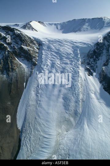 Alpine glacier spilling down into Taylor Valley Dry Valley region Transantarctic Mountains Antarctica Cirque cwm - Stock Image