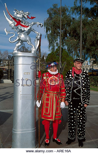 Arizona Lake Havasu City English Village Heraldic Dragon residents dress as Beefeater & Pearly King - Stock Image