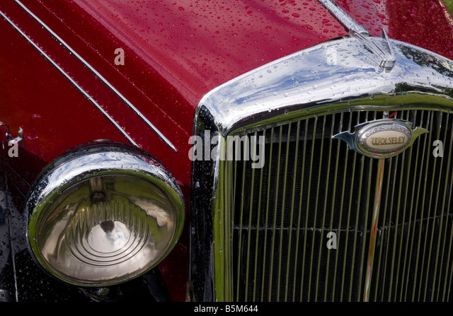 Truck Headlights In Rain : Car rain headlight stock photos