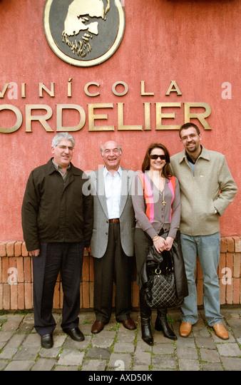 oenolog Dario Crespi, owners Lidio & Natercia Ziero, Daniel Facchinelli Dall'Onder, Vinicola Cordelier Vale - Stock Image