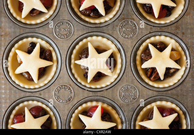 Mince Pies in a baking tray - Stock Image