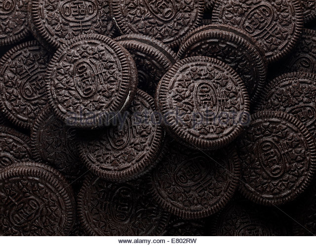 Chocolate & cream sandwich cookies - Stock Image