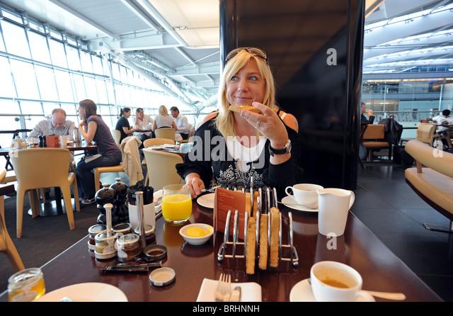 Kitchen Nightmares Gordon Ramsay Enjoys Food