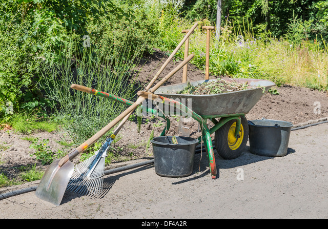 Metal bucket and spade stock photos metal bucket and for Gardening tools list 94