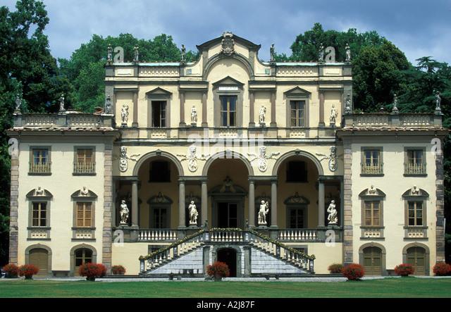 Villas Near Lucca