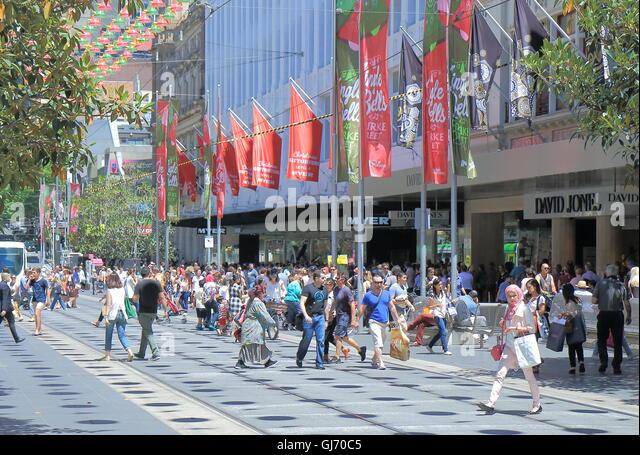 People do Christmas shopping on Burke St Melbourne Australia - Stock Image