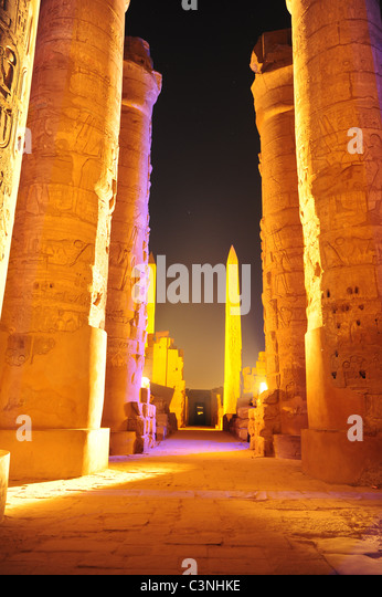africa-middle-east-egypt-luxor-night-ill