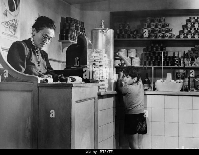 IMBARCO A MEZZANOTTE (1952) STRANGER ON THE PROWL (ALT) JOAN LORRING, VITTORIO MANUNTA JOSEPH LOSEY (DIR) - Stock Image