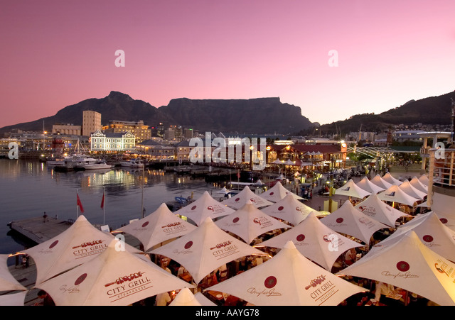 south africa cape town Victoria Albert waterfront sunset table mountain - Stock Image