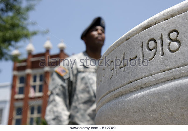 Alabama Troy small town square World War One Memorial downtown historic buildings revitalization county seat Black - Stock Image