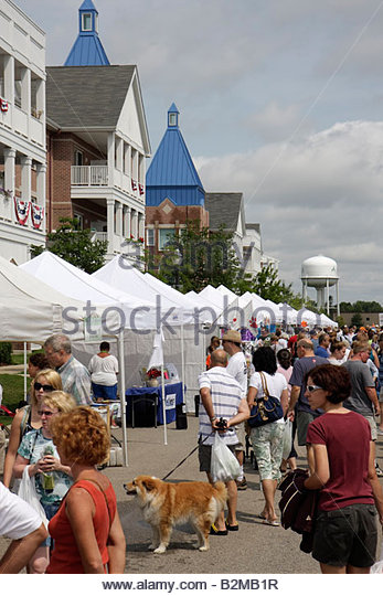 Wisconsin Kenosha HarborMarket Harbor Market outdoor sell buy tents man men woman women dog pet shop small business - Stock Image