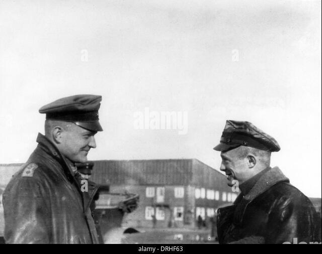 Baron Manfred von Richthofen and Reserve Lieutenant Klein - Stock Image