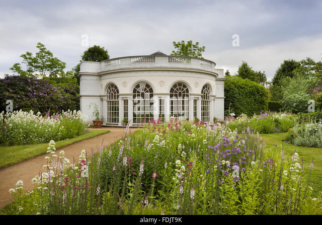 The Garden House, built in 1780 by Robert Adam, in the Pleasure Grounds at Osterley, Middlesex. The building has - Stock-Bilder