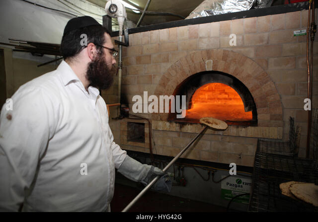 how to make jewish unleavened bread