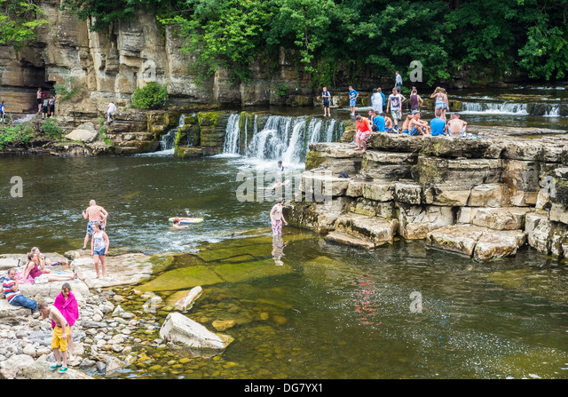 People Swimming River Uk Stock Photos People Swimming River Uk Stock Images Alamy
