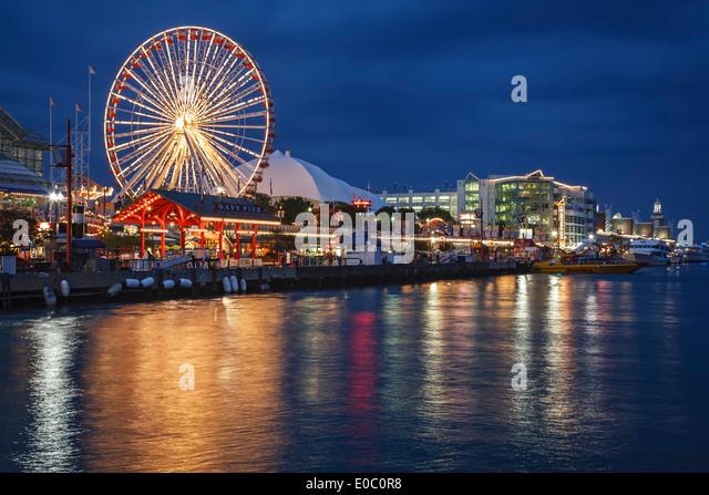 Ferris wheel and Navy Pier, Chicago, Illinois USA - Stock Image