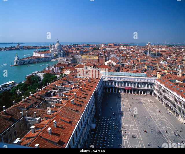 Italy venice St Marks square San Marco birds eyes view tourists - Stock Image