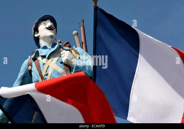 France, Territoire de Belfort, Lachapelle sous Rougemont, memorial statue Poilu soldier of the First World War, - Stock Image