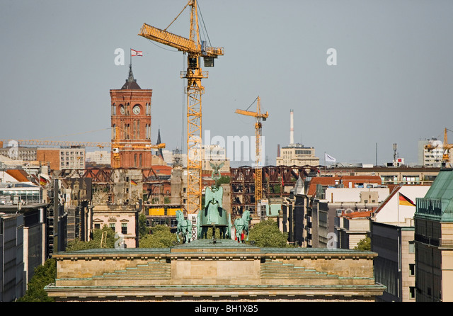 building cranes stock photos building cranes stock images alamy. Black Bedroom Furniture Sets. Home Design Ideas