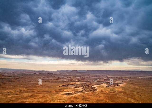 Green River Overlook and mammata clouds, Canyonlands National Park, Utah Green River, Island in the Sky - Stock-Bilder