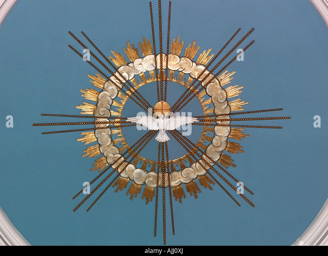 B 51319 Dove of Peace on the Ceiling of the Holy Trinity Church Clapham Common London England - Stock Image