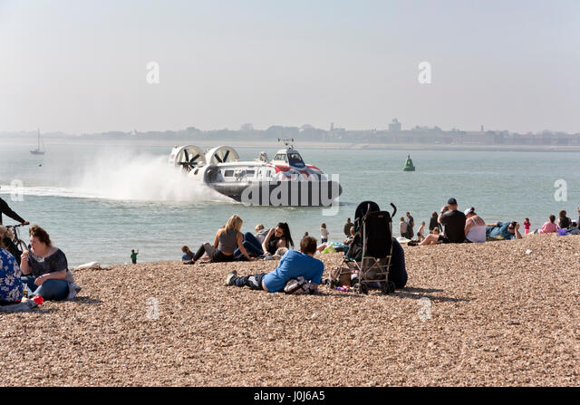 Hovercraft from the Isle of Wight arrives at the travel terminal on seafront, Southsea, Hampshire, UK - Stock-Bilder
