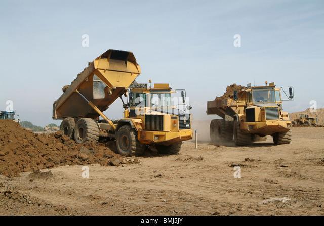 Volvo Dump Truck Stock Photos & Volvo Dump Truck Stock ...