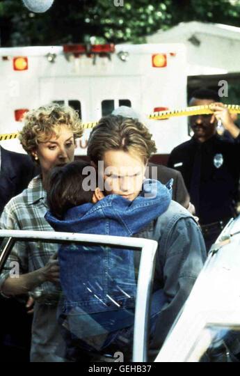 Neil Patrick Harris,r  Brian (Neil Patrick Harris,r) mit seinem Adoptivbruder Chris. *** Local Caption *** 1993, - Stock Image
