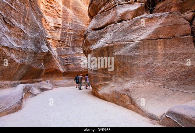 The Siq leading to Petra, Jordan - Stock Image
