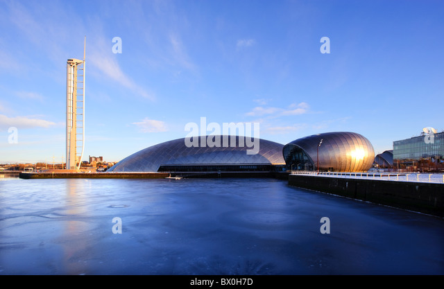 Glasgow Tower, Science Centre and IMAX Theatre by the River Clyde, Glasgow, Scotland, UK. - Stock Image