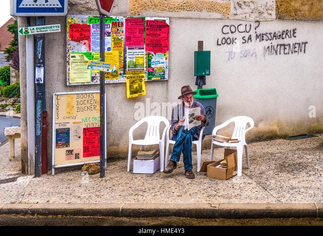 Graffitis in very poor French, Thenon, Dordogne, Nouvelle-Aquitaine, France - Stock Image